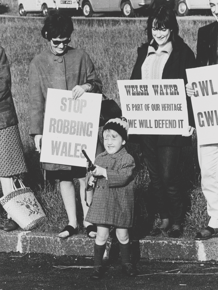Anti-dam protests. Photo: Archive of the National Library of Wales, Geoff Charles collection