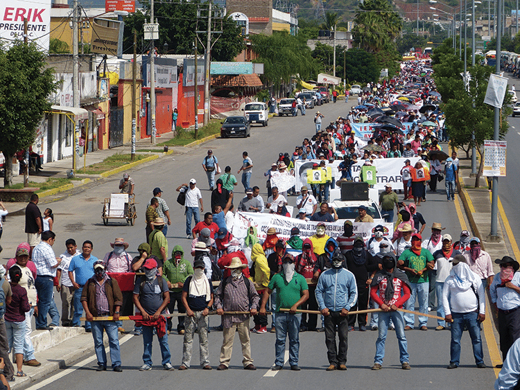 Members of a dissident left-wing teachers union demonstrate in Iguala in support of the Ayotzinapa movement, October 2014. Photo: Témoris Grecko