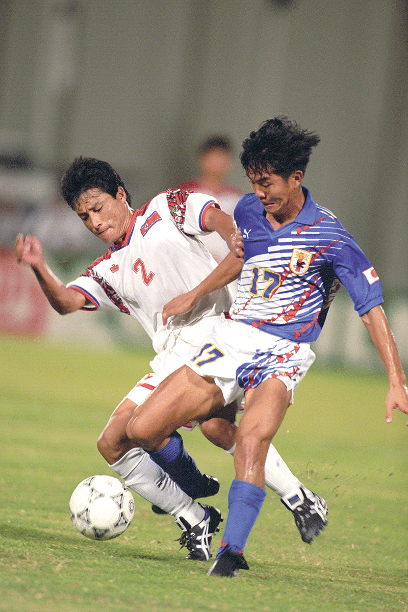 Japan v South Korea at the Khalifa International Stadium, Doha 25th Oct, 1993. Photo: AP/Press Association Images