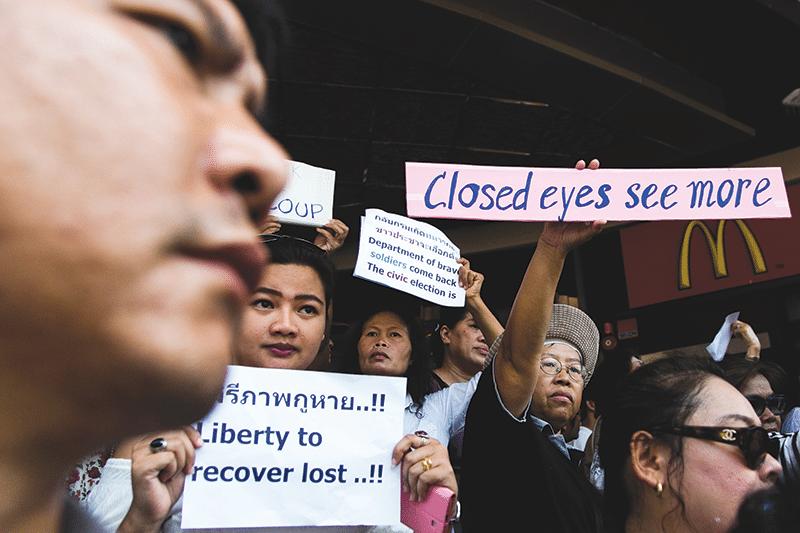 Thai_coup_2014_abr011